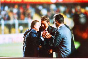 10-1998-09-30 A Bilbao Maçı sonu saha içi11-min